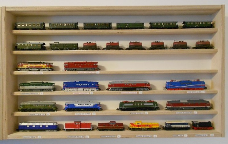 Lokomotiven und Waggons